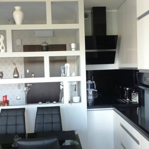 Warzymice- aneks kuchenny z zaprojektowaną ścianą oddzielającą od korytarza